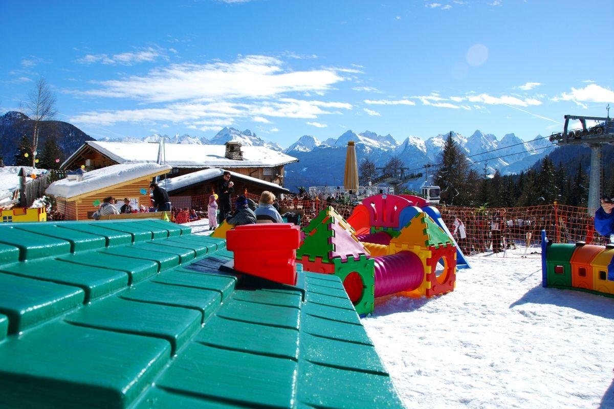 parco-giochi-sulla-neve-predazzo-val-di-fiemme-trentino