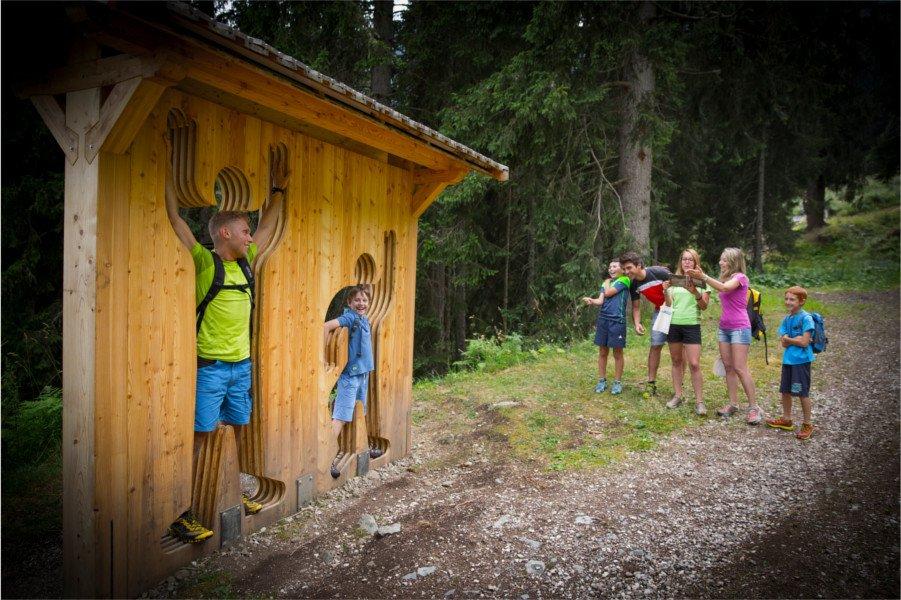 Scorcio Sentiero tematico del Pastore Distratto a Predazzo in Val di Fiemme, Trentino