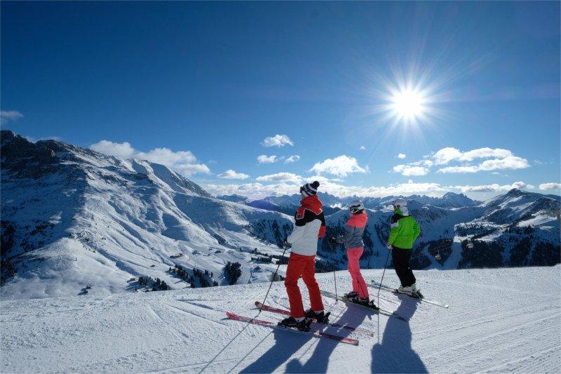 ski center latemar panoramica sulle piste val di fiemme trentino alto adige